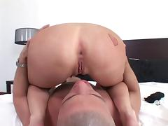 He reams her ass deep then drops his load into her mouth