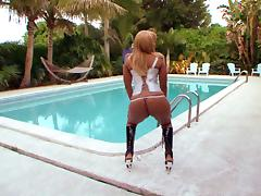 Gemini Lovell Is Smothered In Ass