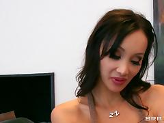 Bubbly brunette with big nipples getting her shaved pussy licked then hammered hardcore