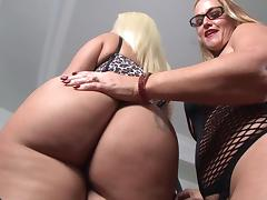 A hung guy destroys this chubby girls asshole when he pounds her hard