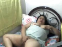 FILIPINA mature ROWENA SOTITO FUCKING HER PUSSY WITH FINGERS