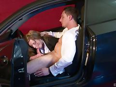 Hardcore car fucking for this young bitch Holly Kiss