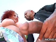 Redhead amateur slut orally pleasing black shaft outdoor