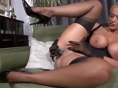 Sexy MILF masturbate CamTips. net