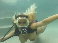Blonde scuba pool fuck
