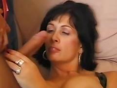 Side boob pain