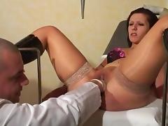 MademoiselleAnabelle va chez son gyneco