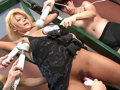 Punky blonde get's facial after group sex session