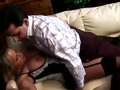 housewife get adventurous and shake that ass while fucking