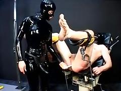 Kinky slut in latex fucks her thrall during BDSM game