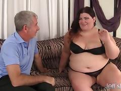 Fat beauty Juicy Jazmynne gets her pussy fucked hard