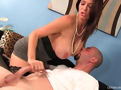 Hottie and her boyfriend fuck a slutty milf in her house