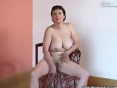 1fuckdatecom Hairy granny with big tits play