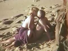 Candid beach camera filmed a horny vixen