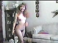 Sexy Amatuer Strips to Shitty Music