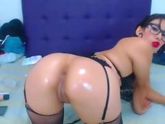 Linda Latina 27