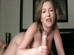 Cutie gives a tugjob