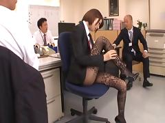Pantyhose fetish model Makoto Yuuki loves to get laid