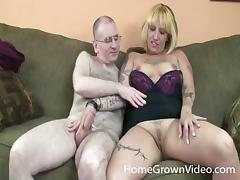 Tatted up amateur blonde gives as guy a great blowjob