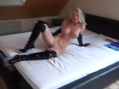 Amateur breast vid shows me fucking my twat with a toy