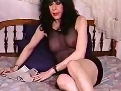 Mature tranny sucks a dick in a vintage movie