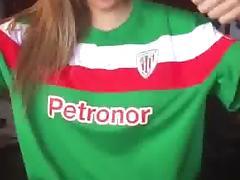 Tifosa del Bilbao va in gol