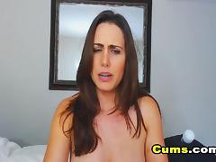 Amateur Webcam Chick Masturbates on Webcam