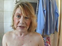 femme au foyer prend de l argent pour faire un porno