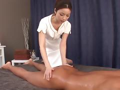 Japanese massage girl uses her mouth and pussy to please her client