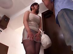 Kinky Asian slut Shibasaki Yuri in sexy pantyhose blows a cock