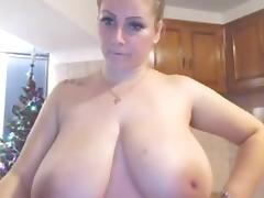 I LOVE HUGE NATURAL BOUNCING FUCKING BOOBS