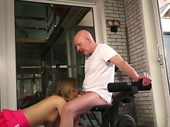 Old and Young, Amateur, Blowjob, Cum in Mouth, Grandpa, Gym