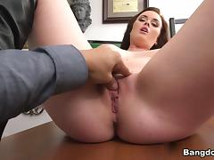 Roxii Blair in Poking Her Pussy Like a Boss! Video