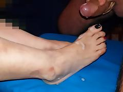 Emma's feet and flying cum