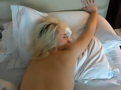 Vera Rain's pink pussy takes another creampie