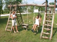 2 college girl dans le parc