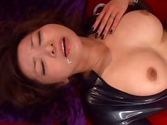 Japanese chick in leather clothes gets some stunning vibrations