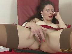 Scarlet in Masturbation Movie - AuntJudys