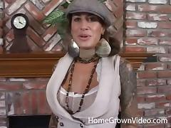Kinky babe with the brown hair sucks the cock like a professional