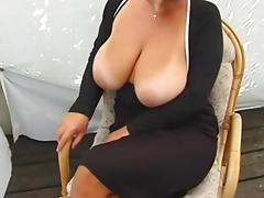 HUGE MASSIVE NATURAL BOOBS MILF BIG TITS