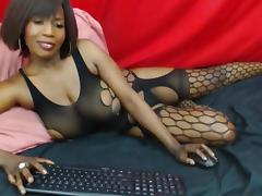 Ebony shows a nip slip