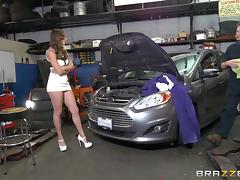 Two horny car mechanics give the chick a nice threesome shagging