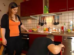 Hausfrau Ficken - Plump German amateur housewife gets cum on tits in exciting hardcore fuck