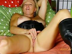 Nicole in Masturbation Movie - AuntJudys