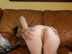 MILF for porn audition masturbates at BrandNewAmateurs