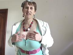 Granny reveals her huge breasts and gives herself the hard vibrations