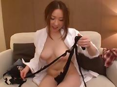 Arousing Tokyo girl successfully manages to handle the penetration