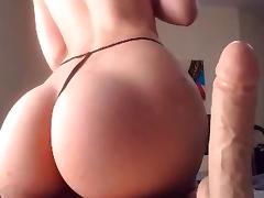 Beauty With Great Ass Rides Dildo