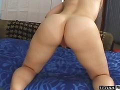 Leenuh Rae cannot resist a horny hunk's massive love tool