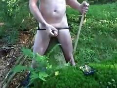 Masturbation und Stockschlaege auf die Hoden